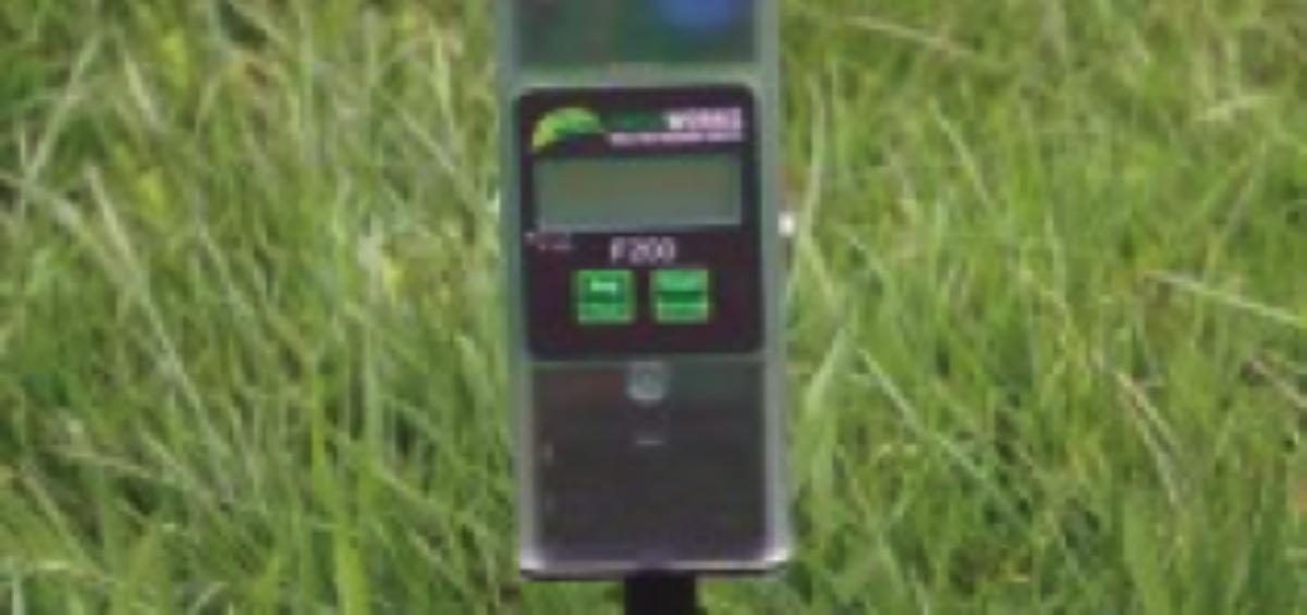 Farmworks F200 grashoogte meter